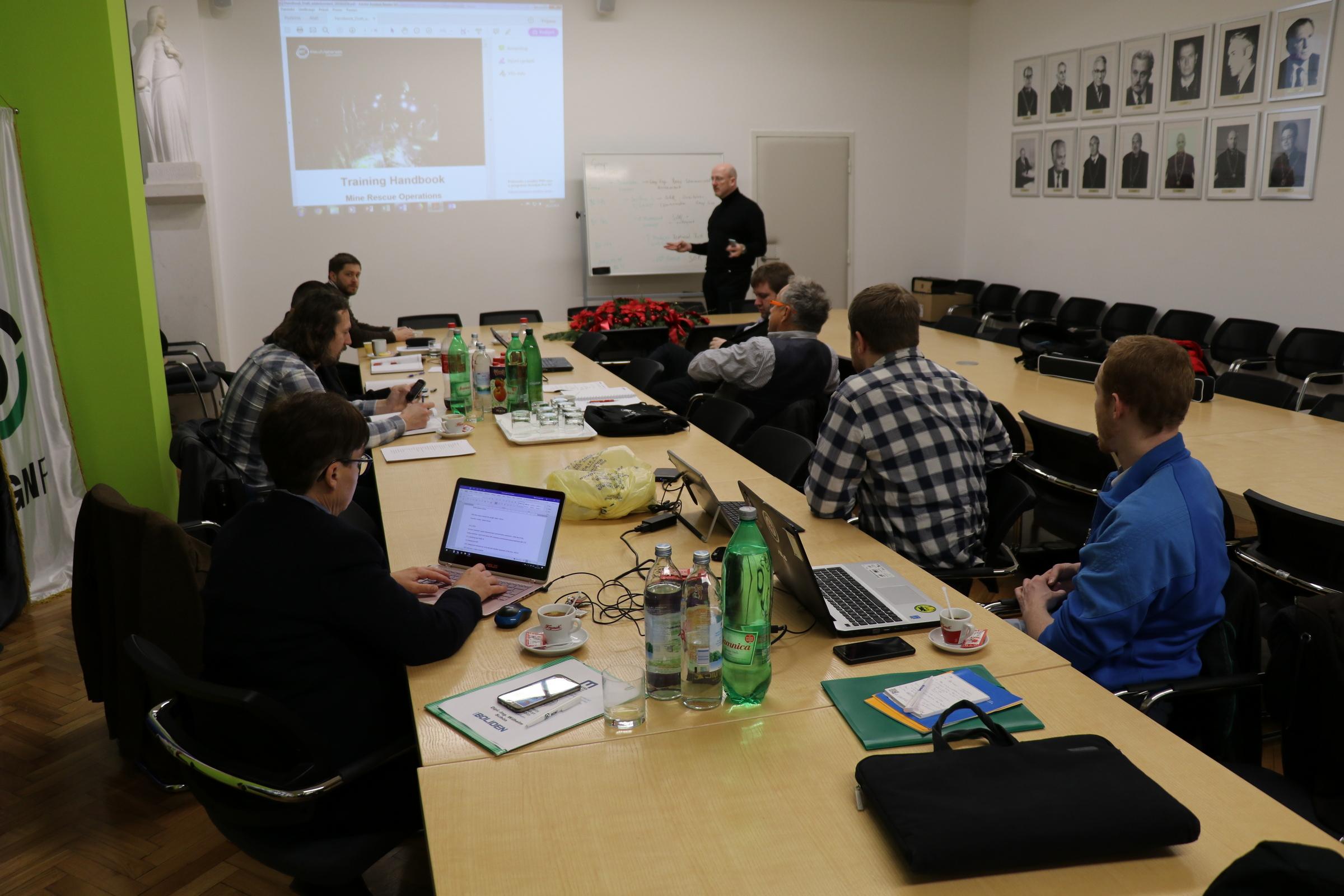 Online upoznavanje vs sastanak osobno
